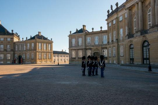 Palazzo Amalienborg con cambio della guardia